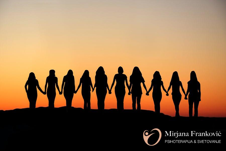 Podporna skupina za ženske – QueenieGroup
